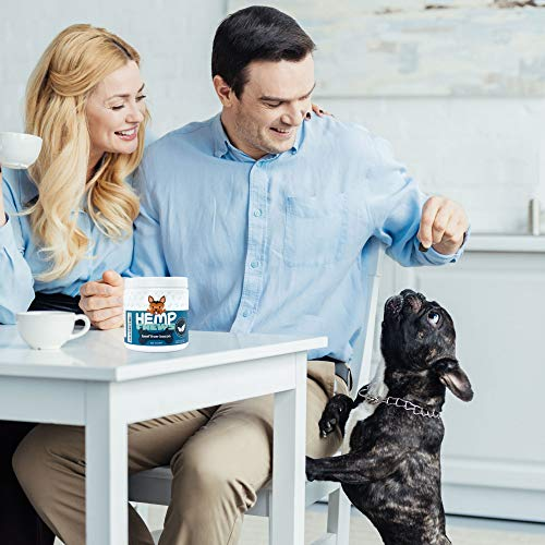 French bulldog with AroPaw 100% Organic Hemp Oil Dog Anxiety Calming Treats for Dogs